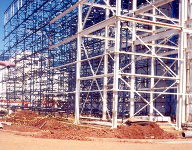 Construção Estrutura metálica Galpão de Carrocerias - General Motors
