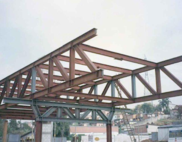Construção Estrutura metálica  Pontes e Passarelas Terminal João Dias - SP Transporte