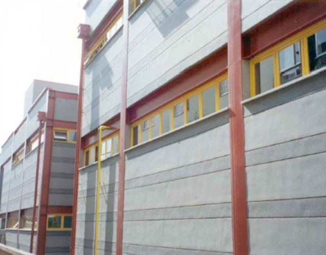 Construção Estrutura metálica  Comerciais e Institucionais Edifício
