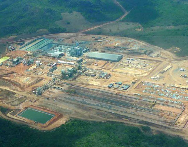 Construção Estrutura metálica  Cimento e Fertilizantes Prédios Industriais e Torres de Processo - MBAC