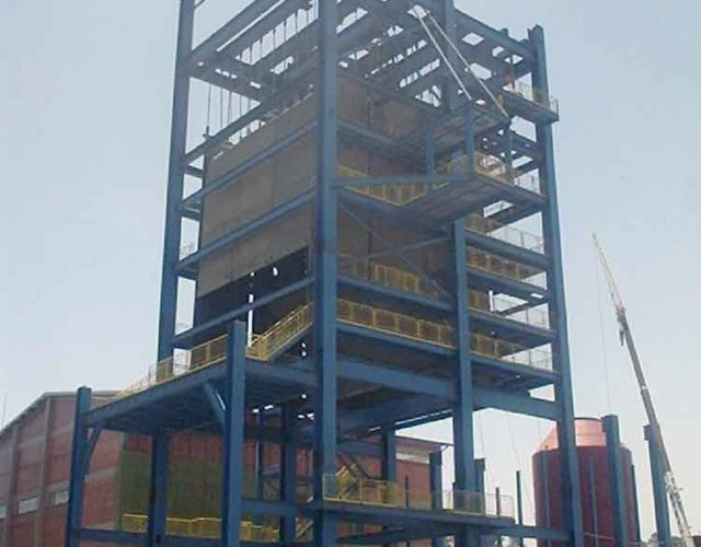 Construção Estrutura metálica  Indústria Sucroalcooleir Usina Rafard - Construção do Prédio Para Caldeira