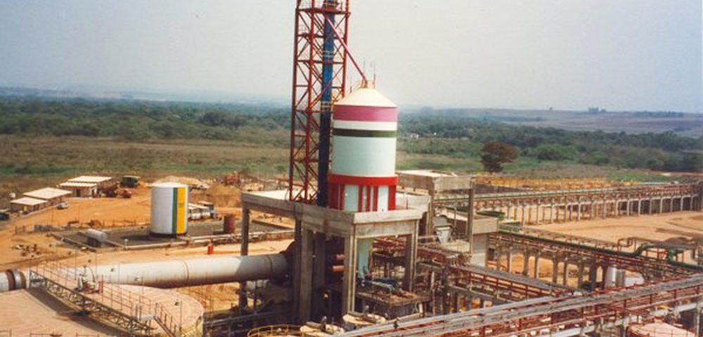 Construção Estrutura metálicaPipe Racks - VCP - Votorantin Celulose e Papel