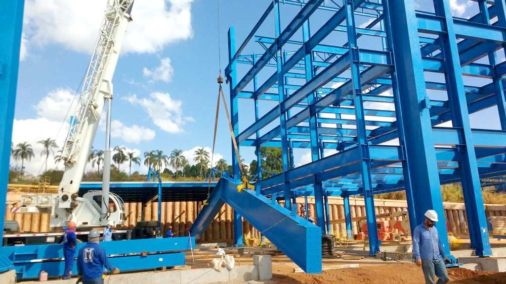 Prédio e Pipe Rack – CBMM   Construções em Estruturas Metálicas - FAM